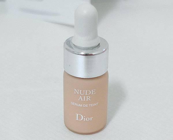 Dior迪奧輕透光空氣粉底精華
