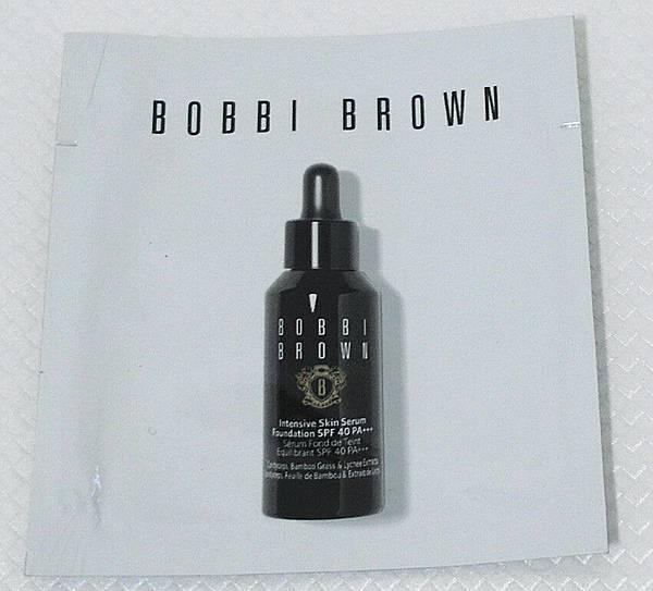 Bobbi Brown高保濕修護精華粉底