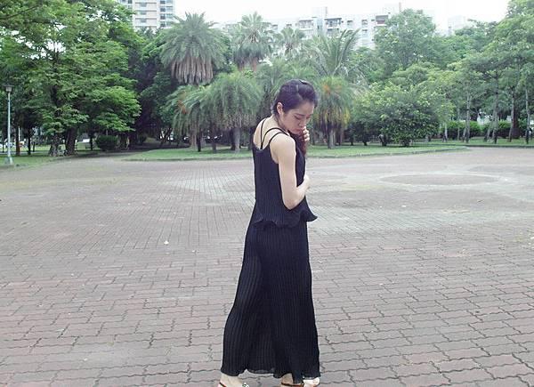 嘉蒂斯洋裝 韓版度假風寬鬆雪紡吊帶寬口顯瘦連身褲