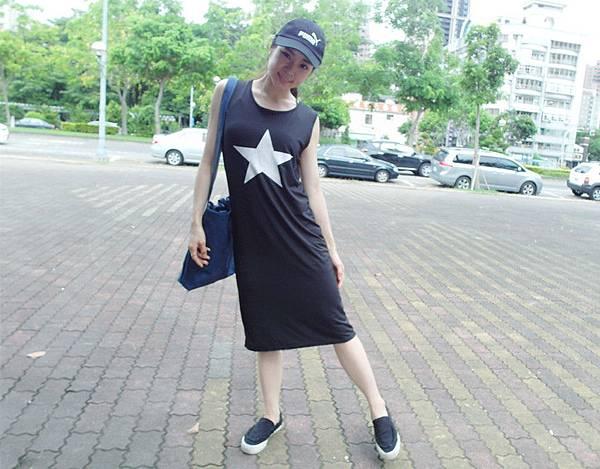 嘉蒂斯洋裝 韓版修身顯瘦圓領無袖五角星休閒連衣裙