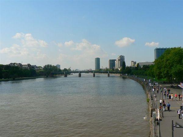 萊茵河.jpg
