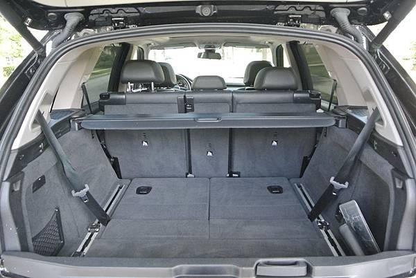BMW X5第三排座椅.jpg