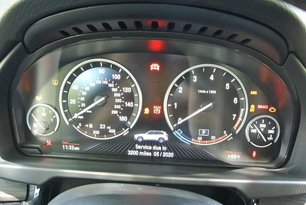 BMW X5面板.jpg