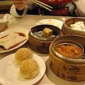 2007第一餐.為了吃超辛苦.但怎麼不太好吃..