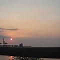 夕陽...但這裡看沒有很美啦..