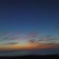 用手機拍的快日出的風景...手抖到不行..