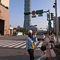 太妙了.騎來台北市政府這裡...