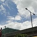這時還看的見藍天白雲