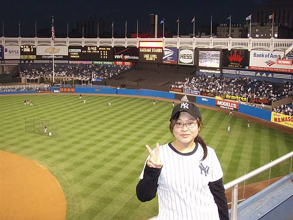 post season Game 1-me看看別人的球場  在想想台灣的球員和球賽...真的得加油
