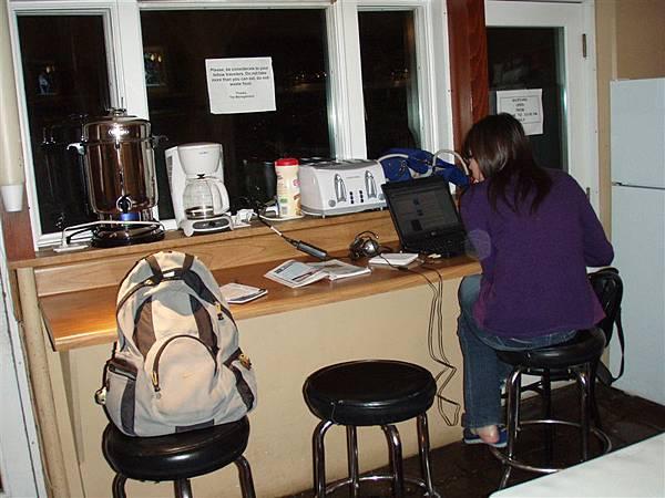 但是也有無線網路可以用唷!在廚房的收訊不錯!!!