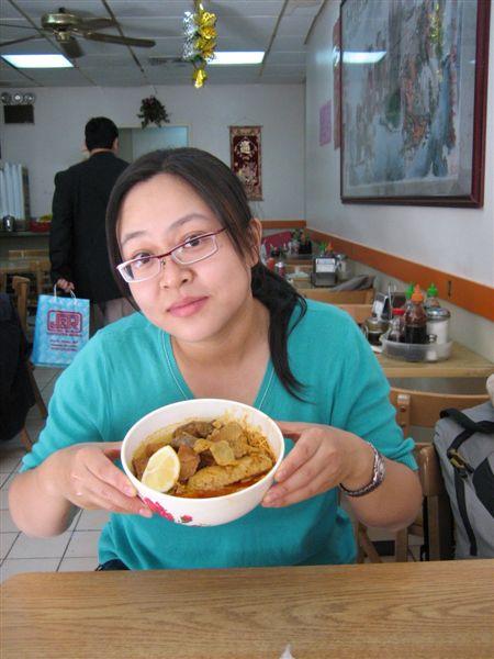 DAY 3-中國城...超好吃的咖哩麵!跟台北公館那家銀座煮出來的很像!我超愛那一家的!
