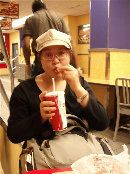 DAY 6-Burger King超好吃的!也是一樣吃完了才想到要照相!!