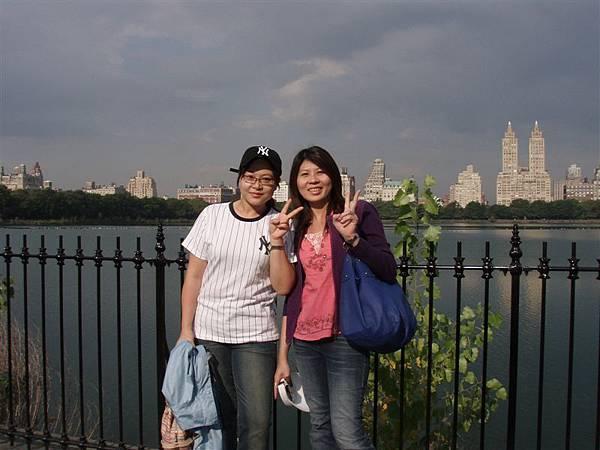 DAY 2-中央公園--湖邊景色很美