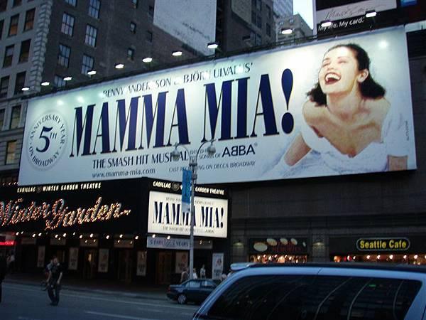 DAY 3-很有名的百老匯劇!本來想看這一部!但是買不到票!!