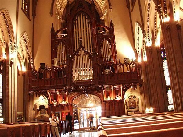 DAY 5-三一會教堂---管風琴