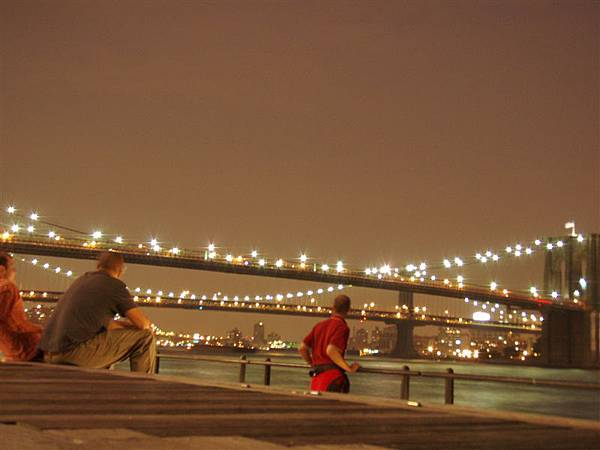DAY 9-布魯克林大橋夜景沒有想像中漂亮