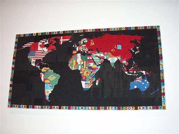 DAY 10-MoMA-有台灣的世界地圖...畫的很棒哩!!!因為把台灣畫的很大...^^