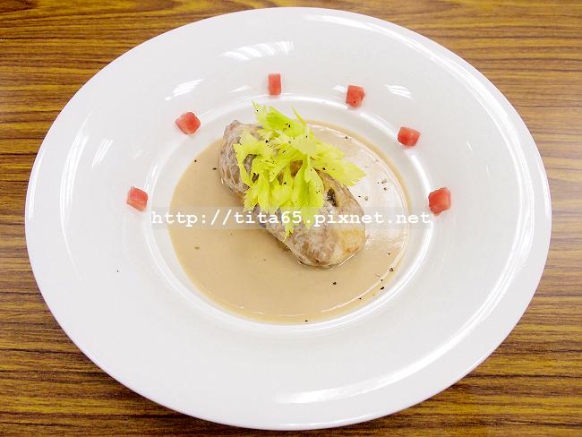 烤鵪鶉內餡佐馬得拉醬汁