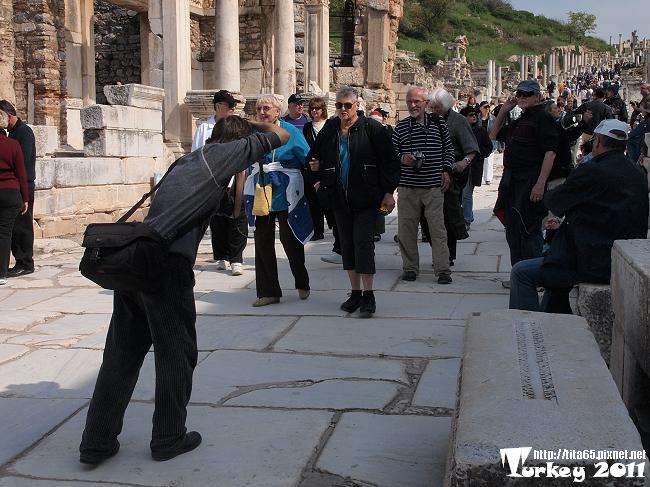 幫旅行團拍照ㄉ攝手