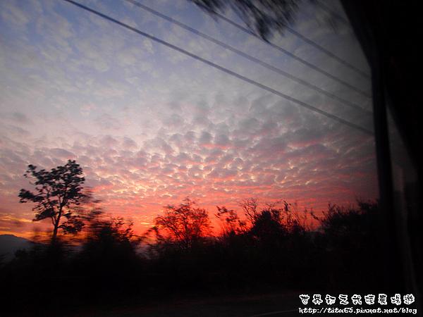 車上拍ㄉ日落