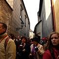 黃金巷-擁擠的人群