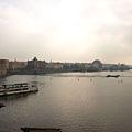 查理大橋橫跨伏爾塔瓦河