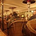 夜遊舊城區-舊城廣場旁...喝咖啡裝優閒