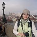 查理大橋上....背後是城堡區