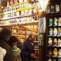 夜遊舊城區-俄羅斯娃娃專賣店