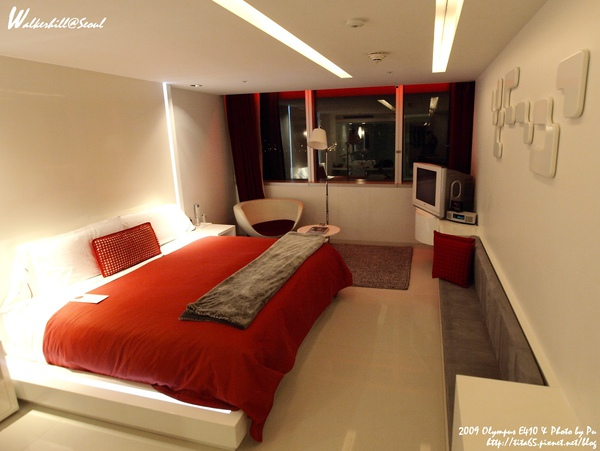 一個人睡的大房間...房間view不錯~