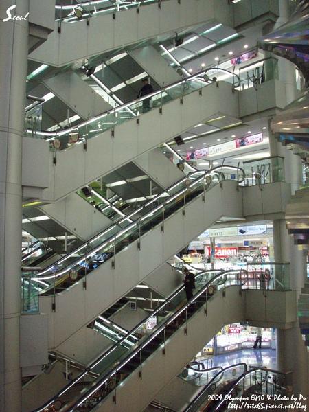 TM商場可以逛很久的唷!