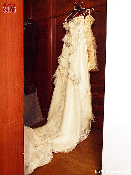 準備上場的婚紗~