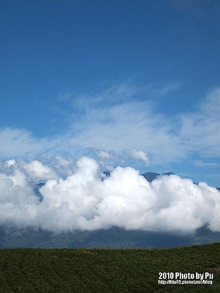 藍天白雲~我的金針山