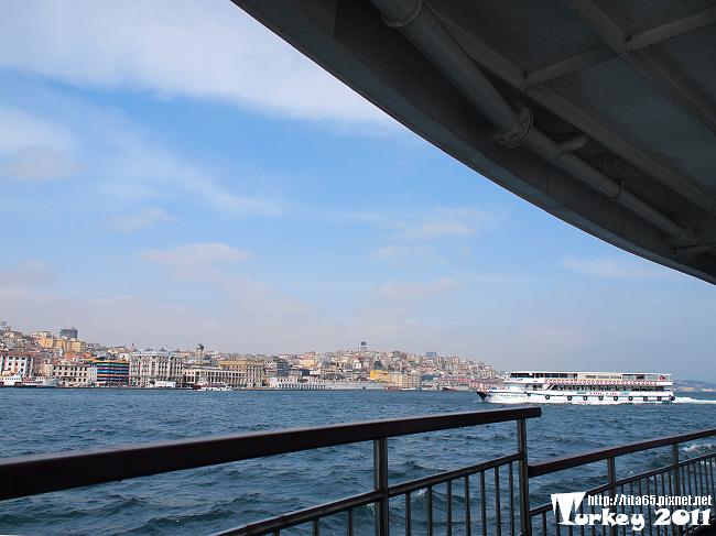 博斯普魯斯海峽航行中