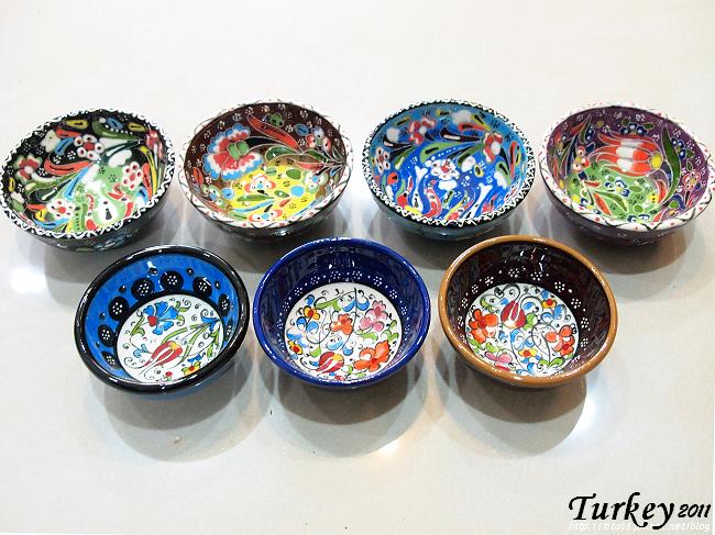陶製小瓷碗