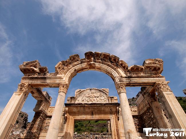 哈德良神殿