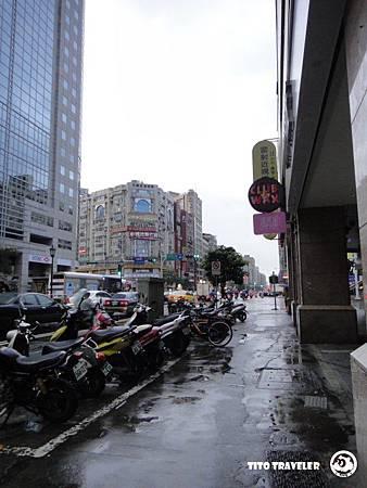 濕漉漉的台北街頭