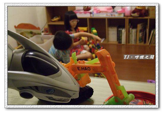 玩玩具5.5ys.jpg