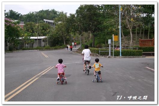 恩愛騎車2.jpg