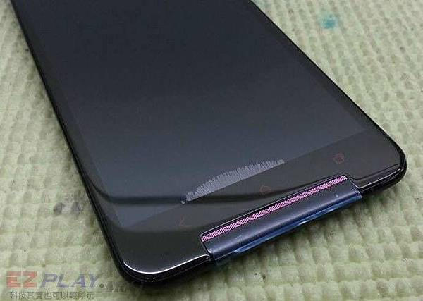 手機面板破裂,單換玻璃真有省到?.jpg