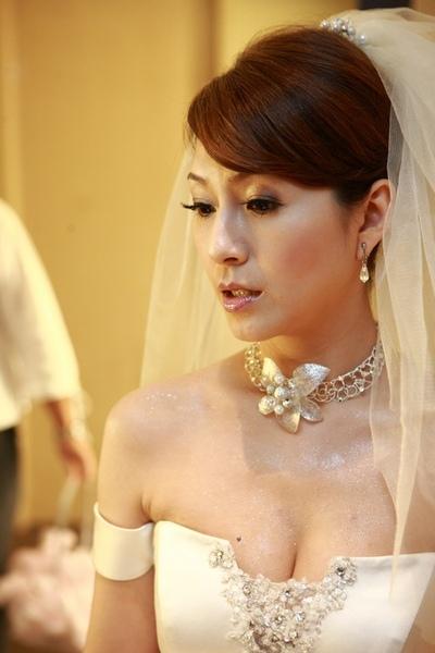 這張也才有點新嫁娘的樣子ㄇㄟ