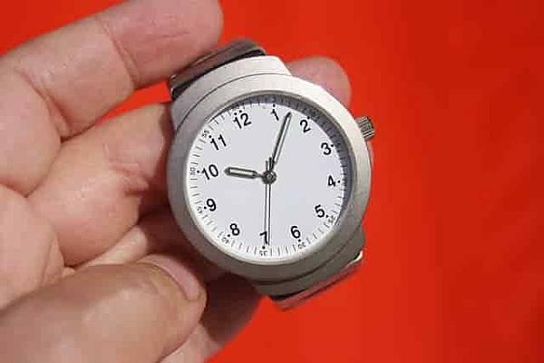 clock-95330_640-min.jpg