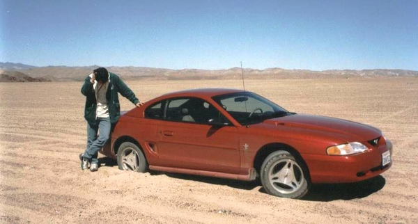 車陷在沙漠裡.JPG