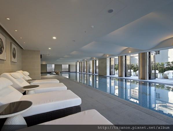 室內外泳池.jpg