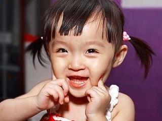 小寶貝快樂的童年,來自健康的牙齒.jpg