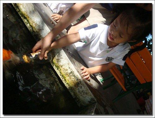 0712-童話村餵魚喝ㄋㄟ~20.jpg