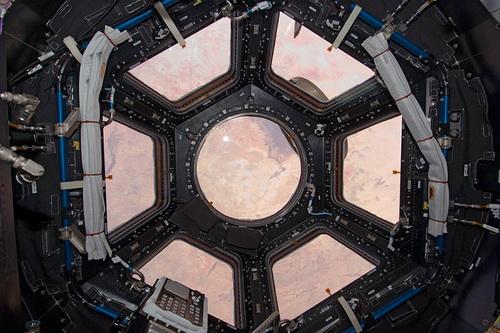 ISS022-E-066972.jpg
