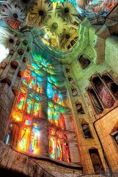 西班牙巴塞隆納聖家堂