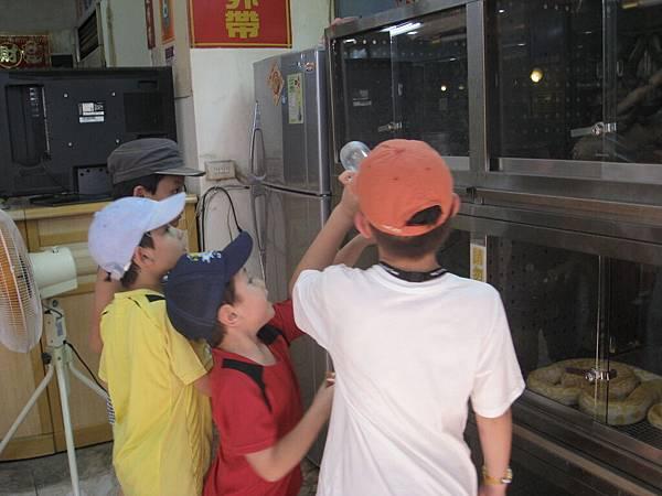 2011年兒華夏令營seession1龍山寺臉譜個人照片 024.jpg