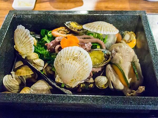首爾 LOCOLOCO 豪華蒸海鮮盒&一隻雞 雙重享受一次滿足 (新沙洞)